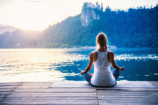 Difference between Yoga and Meditation Retreat